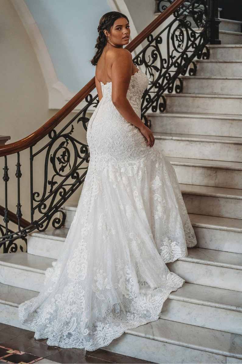 bride-going-up-a-staircase
