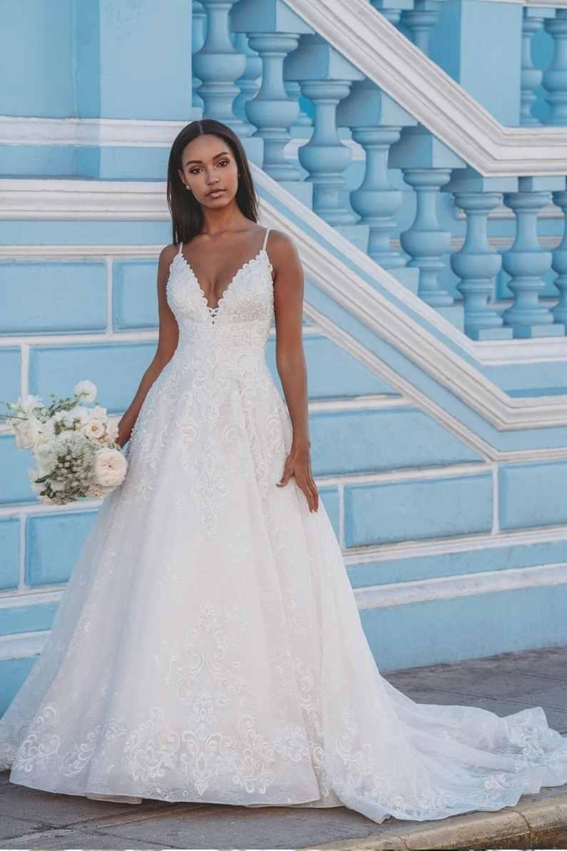 Bride-near-a-blue-wall